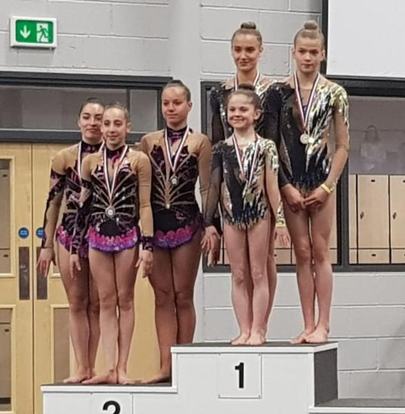 trio junior valentine lisa julie - podium